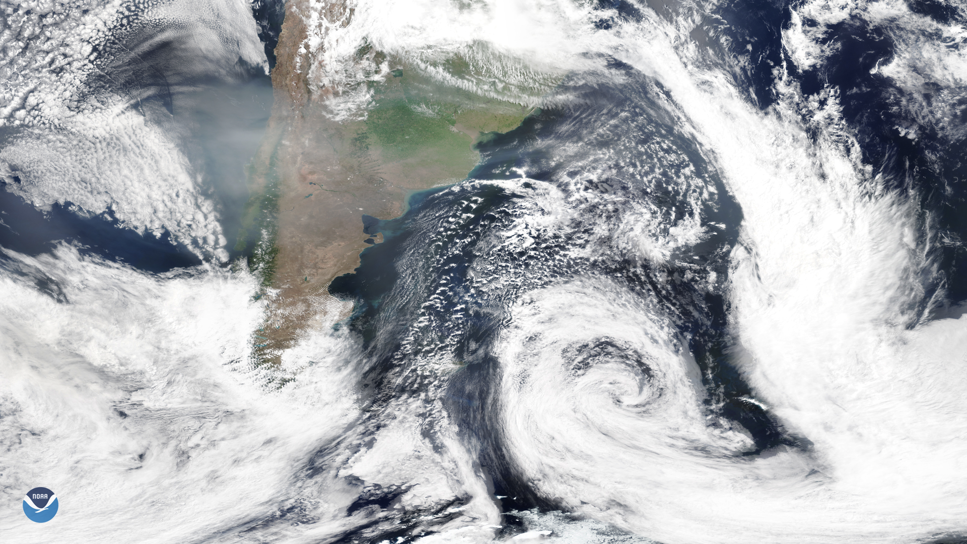 Smoke from Australian Wildfires Continues to Drift over South America