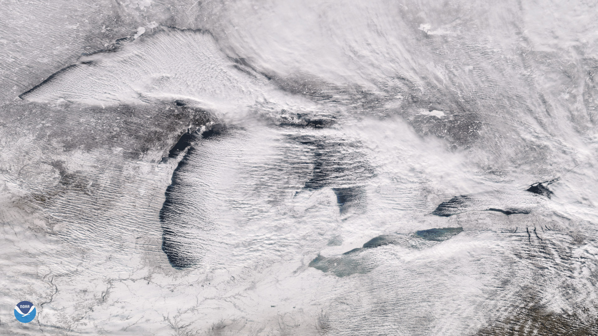 """Cloud Streets"" Over the Great Lakes"