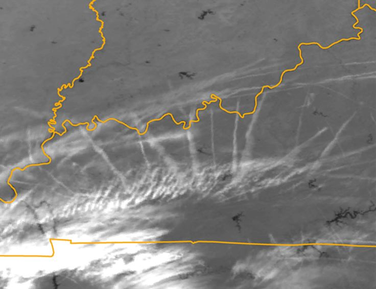 "This AVHRR infrared image shows a ""clear sky"" contrail outbreak over Kentucky in October 2002. Image courtesy of Andrew Carleton"